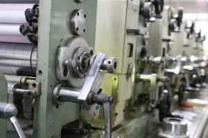 offset printing macine, printing services, bruchure printing